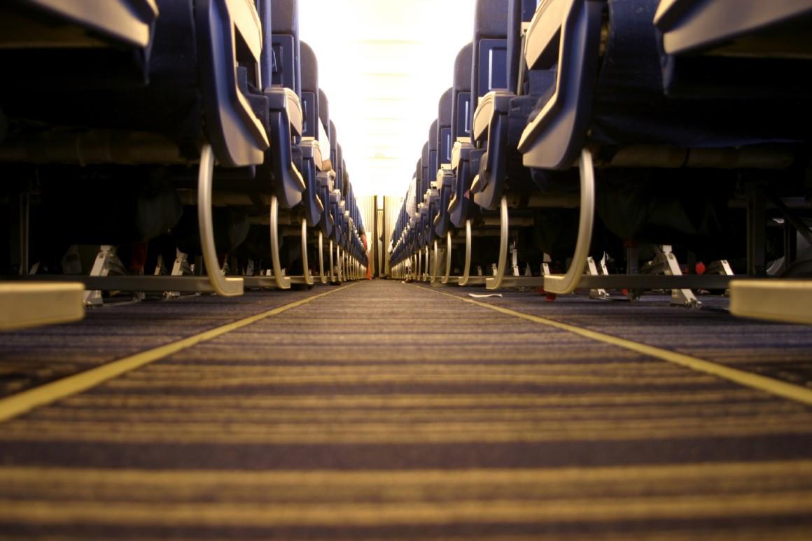 plane-aisle-1160x773.jpg
